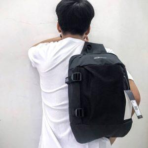 Túi đeo chéo Adidas DM9075
